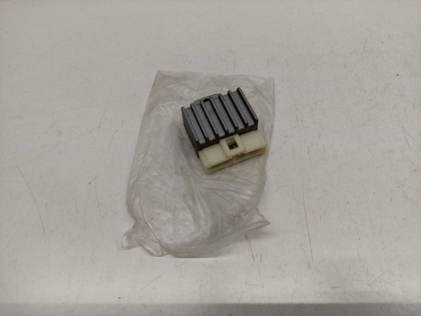 Yamaha Aerox MBK Nitro - Gleichrichter Laderegler Spannungsregler (38-14)
